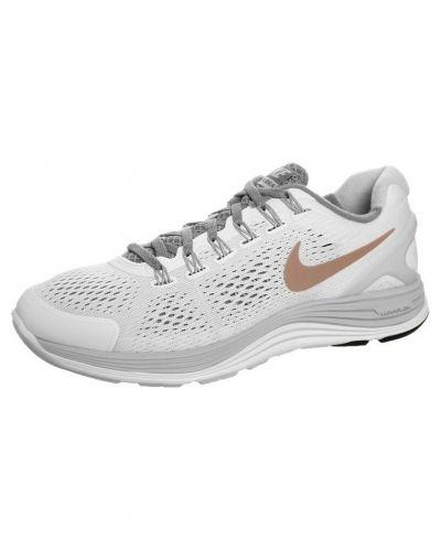 Nike Performance Nike Performance LUNARGLIDE+ 4 Löparskor stabilitet Vitt. Traningsskor håller hög kvalitet.