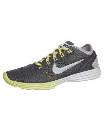 Nike Performance Nike Performance LUNARHYPERWORKOUT XT+ Aerobics & gympaskor Grått. Traning håller hög kvalitet.