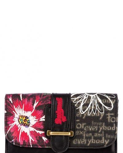Desigual Margarita plånbok. Väskorna håller hög kvalitet.