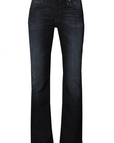 Till tjejer från Lee, en blå bootcut jeans.