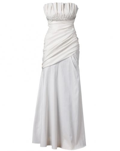 Till tjejer från Apart, en vit studentklänning.