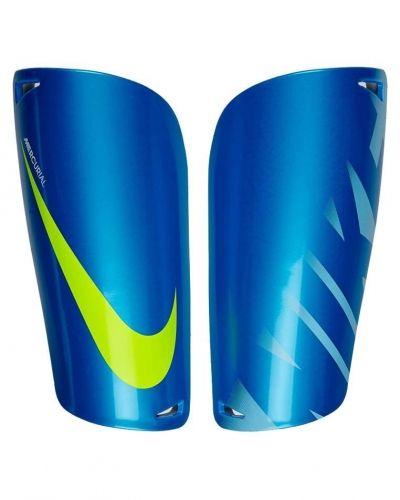 Mercurial lite från Nike Performance, Fotbollsbenskydd