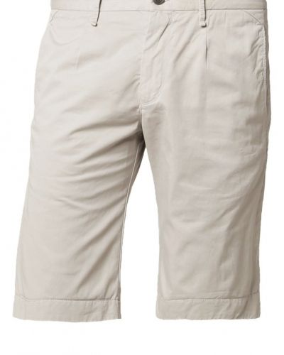Till dam från Joop!, en shorts.