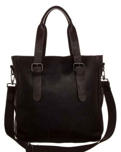 Strellson Miller shoppingväska. Väskorna håller hög kvalitet.