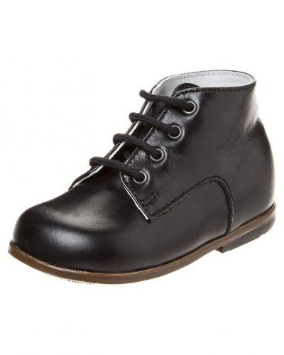 Svart lära-gå-sko från Little Mary till barn.
