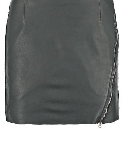 Minikjol black Goosecraft kjol till mamma.