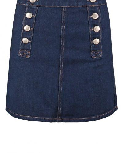 Till tjejer från Miss Selfridge, en jeanskjol.