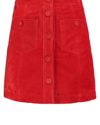 Till mamma från Topshop, en kjol.