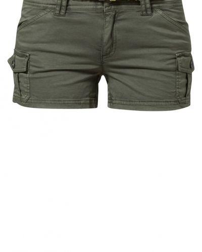 Mirtue Kaporal shorts till dam.