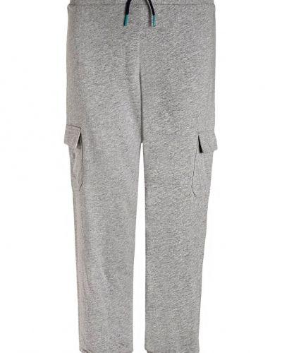 Till mamma från Schiesser, en pyjamas.