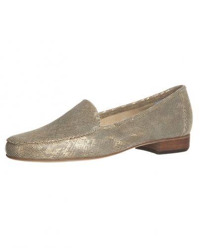 Guld loafers från Gabriele till dam.