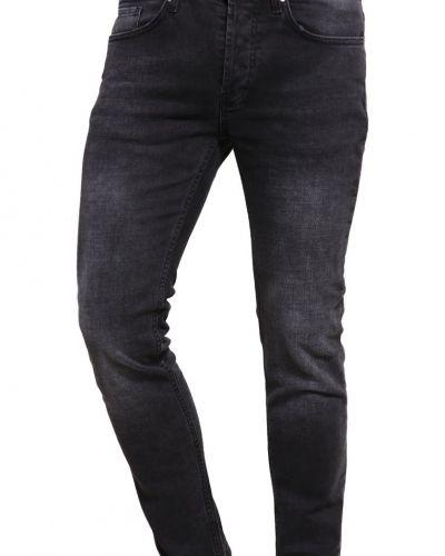 Till dam från Tigha, en slim fit jeans.