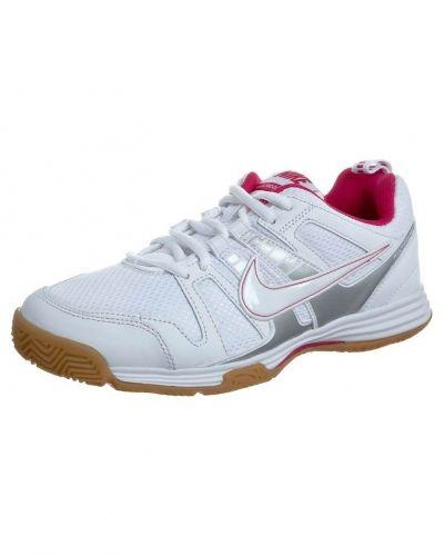 Nike Performance Multicourt 10 universalskor. Traning håller hög kvalitet.