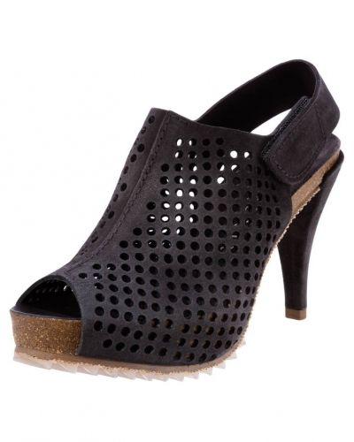 Till dam från Pedro garcÍa, en grå sandalett.