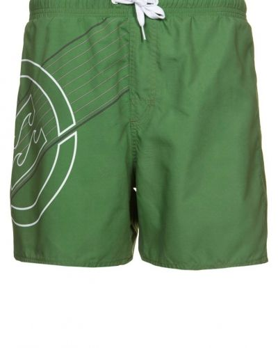Billabong New line surfshorts. Vattensport håller hög kvalitet.