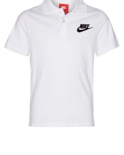 Nike Performance Nike performance piké. Traningstrojor håller hög kvalitet.