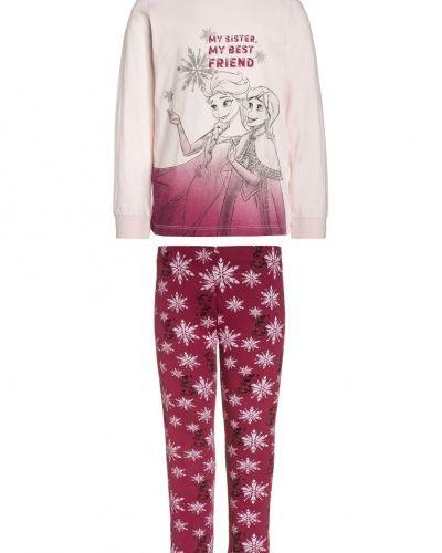 Name it pyjamas till mamma.