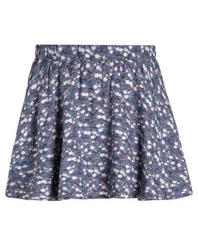 Name it a-linje kjol till mamma.