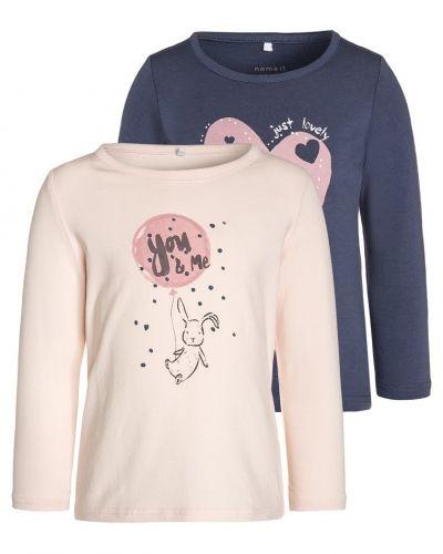 Långärmad tröja från Name it till mamma.