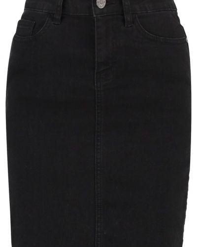Nmbe lexi jeanskjol black Noisy May jeanskjol till mamma.