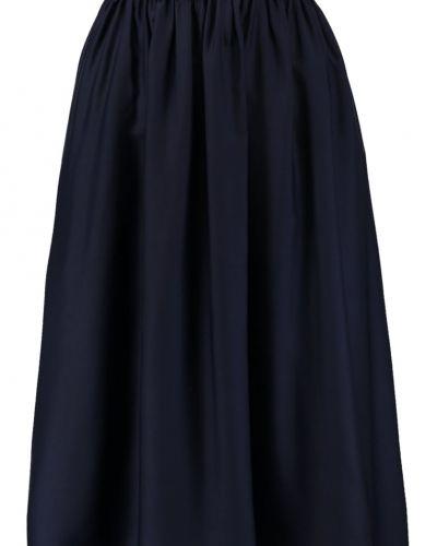 Till mamma från Noisy May, en veckade kjol.
