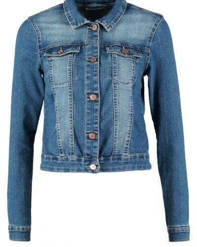 Till dam från Noisy May, en jeansjacka.