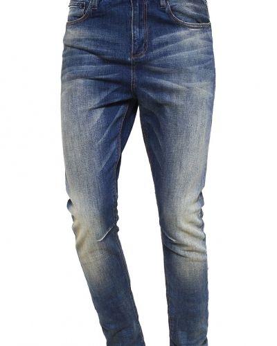 Till dam från Superdry, en slim fit jeans.