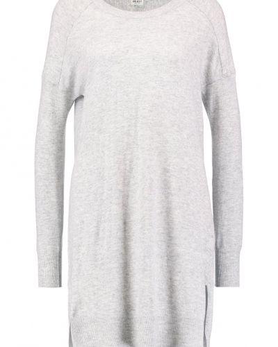Stickade klänning från Object till mamma.