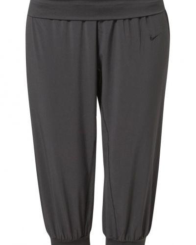 Nike Performance Obsessed träningsshorts 3/4längd. Traningsbyxor håller hög kvalitet.