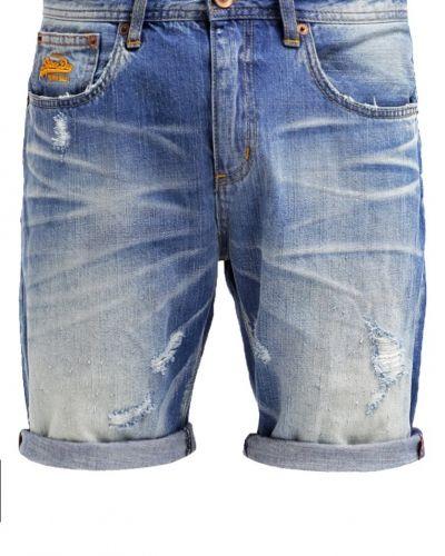 Till dam från Superdry, en jeansshorts.
