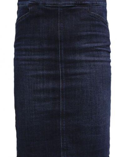Till tjejer från someday., en jeanskjol.