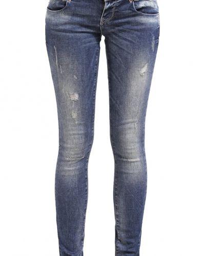 Till dam från ONLY, en slim fit jeans.