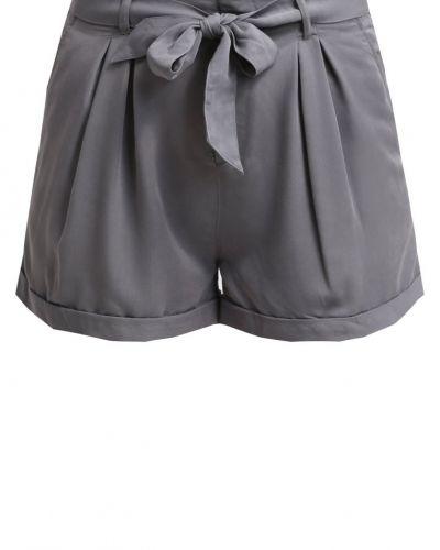 Till dam från ONLY, en shorts.