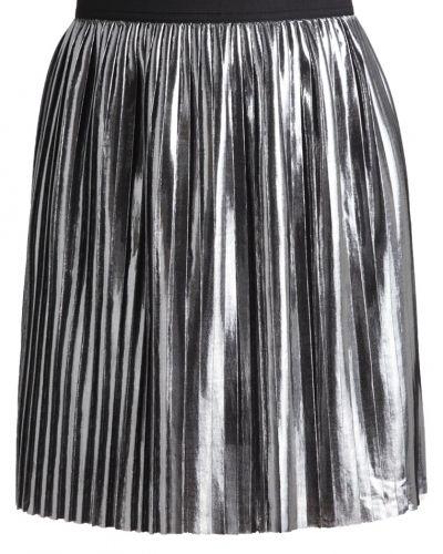 Till mamma från ONLY, en a-linje kjol.