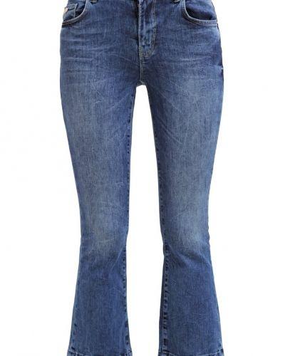 ONLY bootcut jeans till dam.