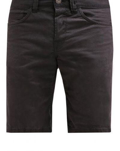 Shorts från Only & Sons till dam.