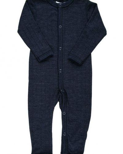 Till barn från Joha, en blå pyjamas.