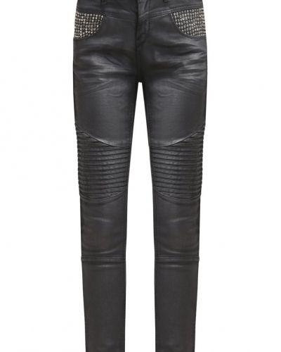 Till dam från Mos Mosh, en slim fit jeans.