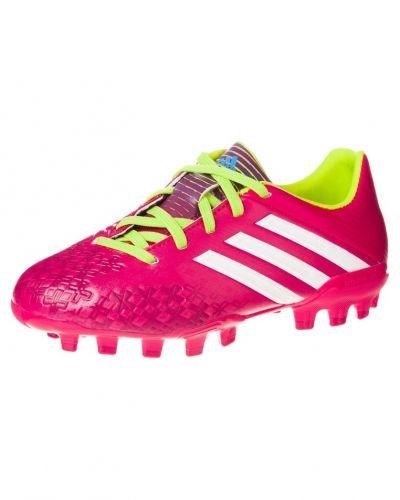 adidas Performance P absolado lz trx ag fotbollsskor. Fotbollsskorna håller hög kvalitet.