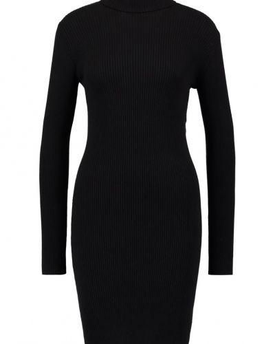 Pchenry stickad klänning black Pieces stickade klänning till mamma.