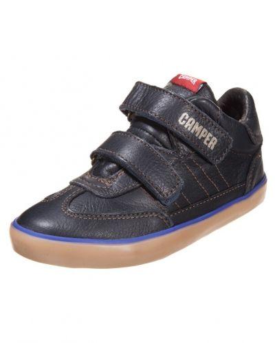 Sneakers från Camper till kille.