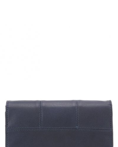 Plånbok från Benetton till mamma.