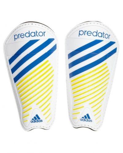 Predator pro från adidas Performance, Fotbollsbenskydd