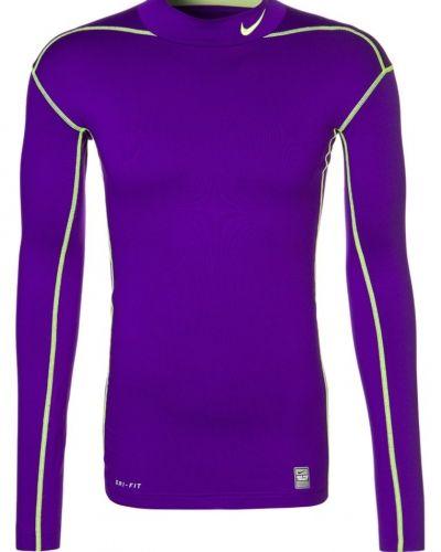 Nike Performance Pro combat tshirt långärmad. Traningstrojor håller hög kvalitet.