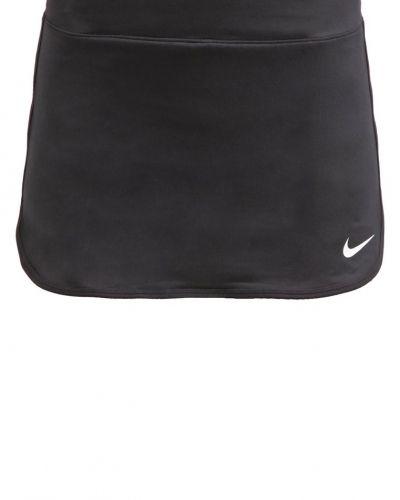 Till mamma från Nike Performance, en sportkjol.
