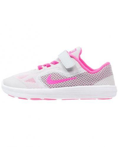 Löparsko Nike Performance REVOLUTION 3 Neutrala löparskor pure platinum/pink blast/wolf grey/white från Nike Performance