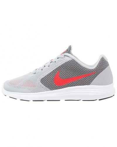 Revolution 3 neutrala löparskor wolf grey/max orange/black/white Nike Performance löparsko till mamma.