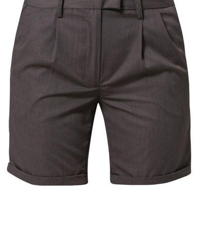 Shorts från ONLY till dam.
