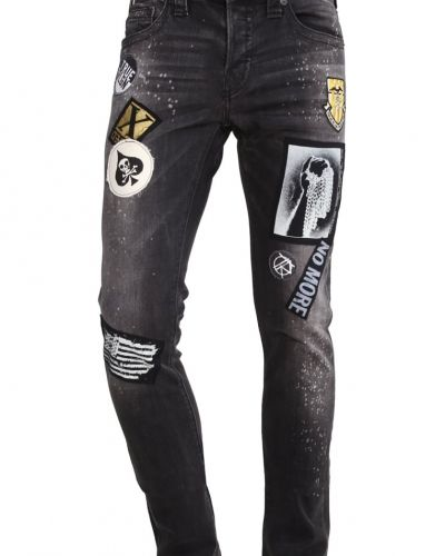 Rocco jeans slim fit worn black top True Religion slim fit jeans till dam.