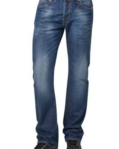 Till killar från LTB, en blå bootcut jeans.